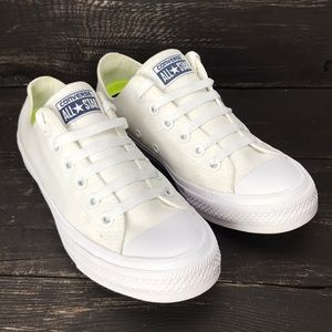 Converse All Star Chuck Taylor White Sneakers 7.5
